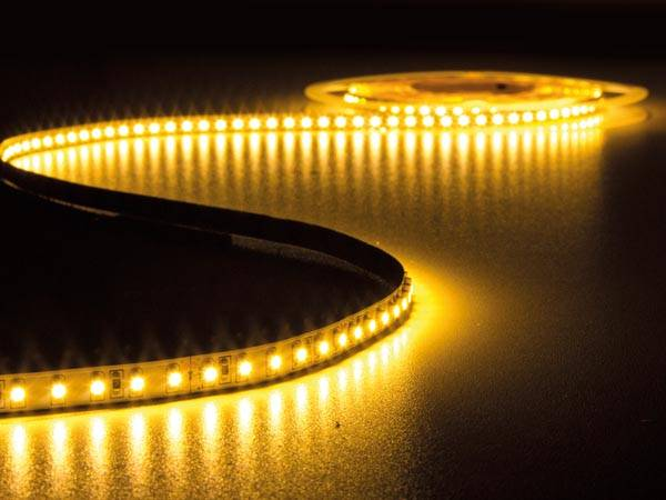 Flexible à led - blanc chaud 2700 k - 600 leds - 5 m - 24 v