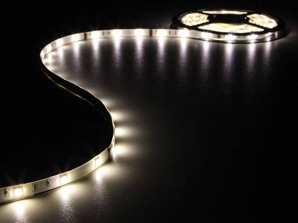Flexible à led - blanc chaud - 150 led - 5m - 12v